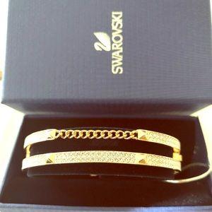 Swarovski crystal/rose gold bangle